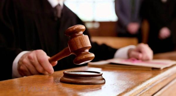 Asas hukum acara pidana dan perdata.