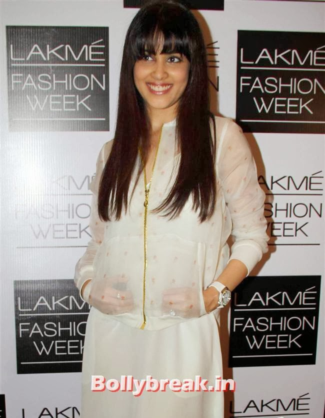Genelia D'Souza, Bollywood Actresses at Lakme Fashion Week 2014