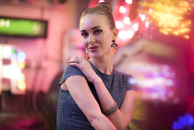 Alena Rusova,neon portrait by Ashley Laurence at The Blitz Factory. Rotolight workshop with Jason Lanier