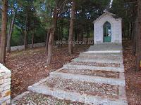 Kapelica Gospe Lurdske, Pučišća, otok Brač slike