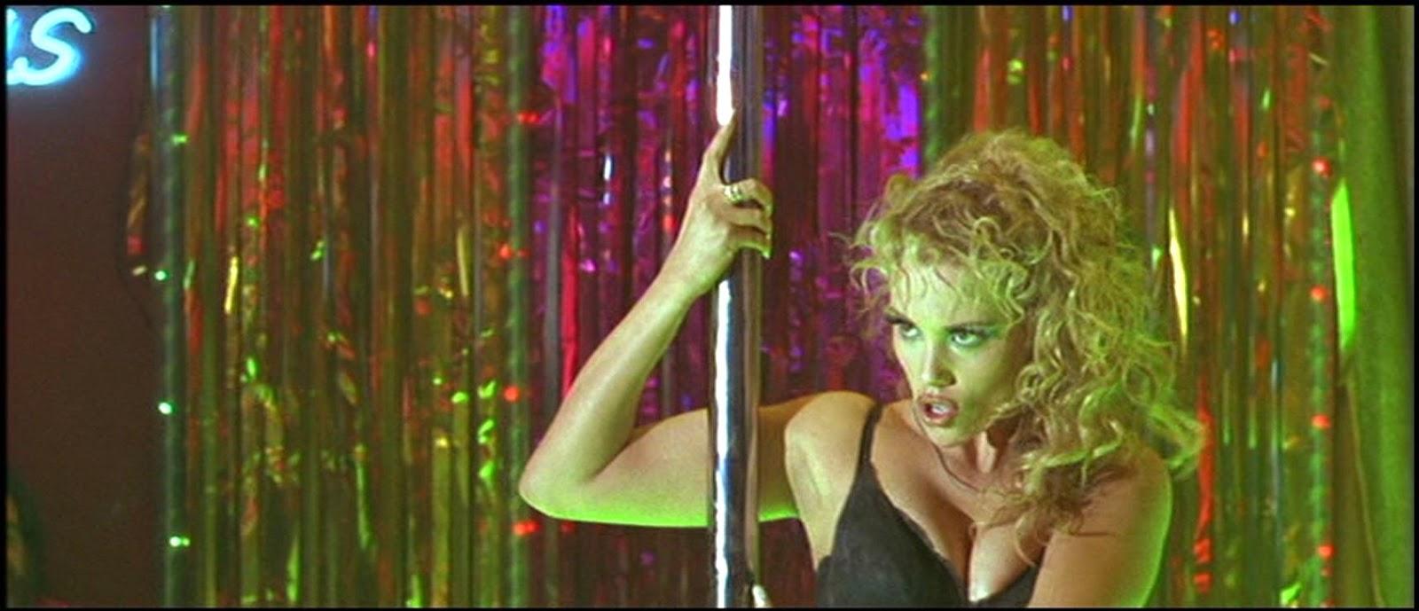 Elisabeth berkley dans showgirls - 3 part 8