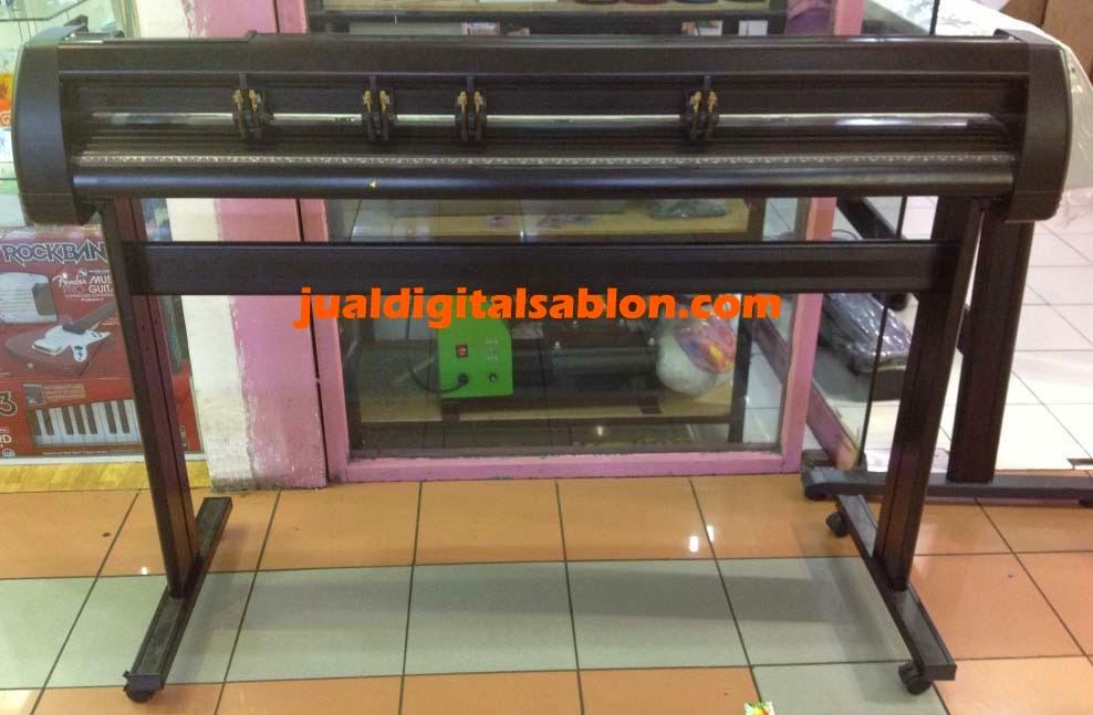 yaitu mesin cutting sticker yang terbesar yang menawarkan keleluasaan dalam men Harga Mesin Cutting Sticker Jinka 1351 Promo Murah