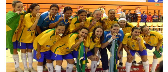 Esse número bastante inferior de países reflete a realidade do futsal  feminino  não existe um campeonato mundial 2d4498b0e5137