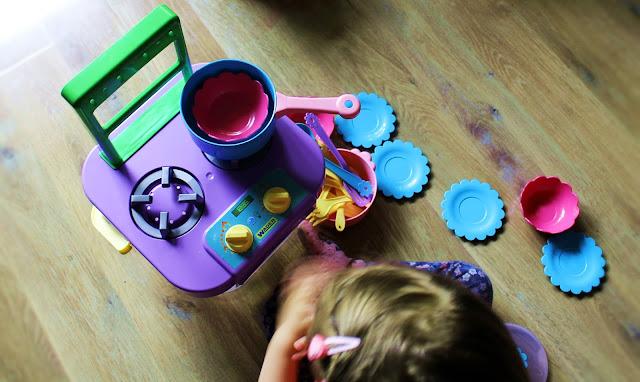 kuchnia zabawka