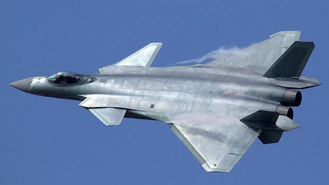 """China puede superar a Washington en los cielos usando tecnología estadounidense """"robada"""""""
