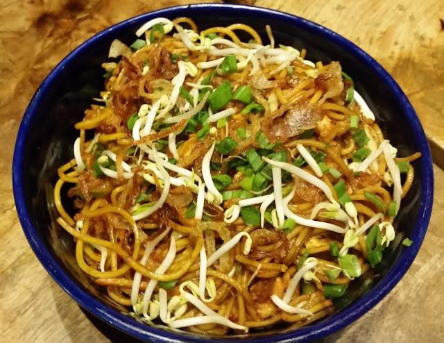Bali Bamie Chicken Noodles