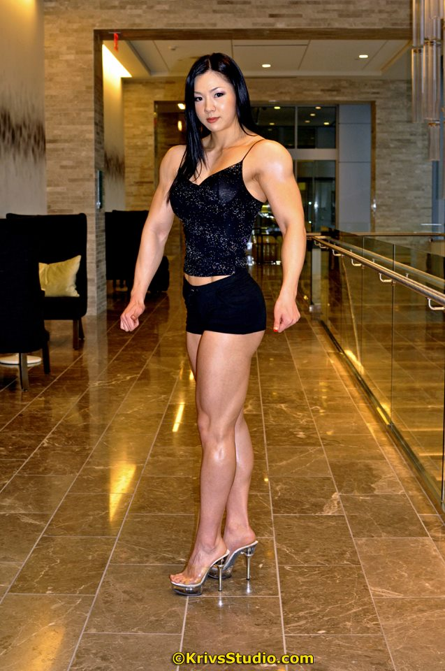 Jhi Yeon-woo (Hangul: 지연우, Hanja: 池姸우), a woman professional bodybuilder
