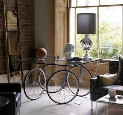 Esculturas y arte reciclando bicicletas