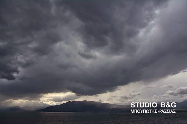 Έκτακτο της ΕΜΥ: Ραγδαία επιδείνωση του καιρού - Πρόγνωση μέχρι και την Τρίτη - Χιόνια στα ορεινά