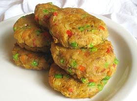 vegetarian samosa cakes