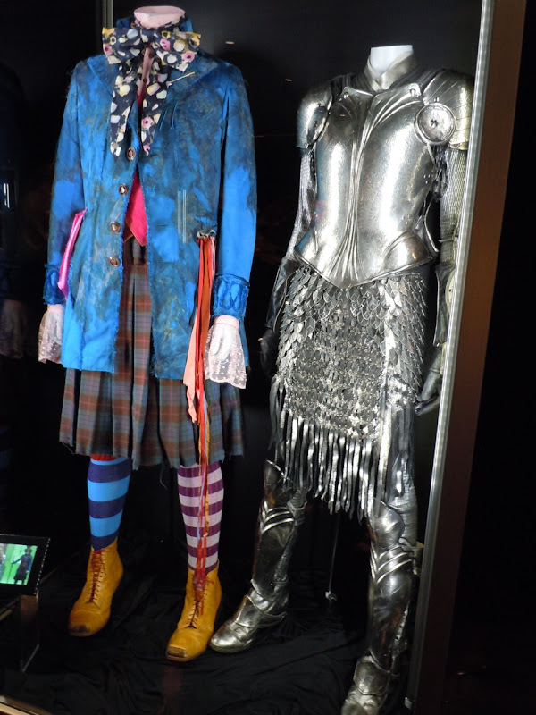 Alice in Wonderland battle costumes