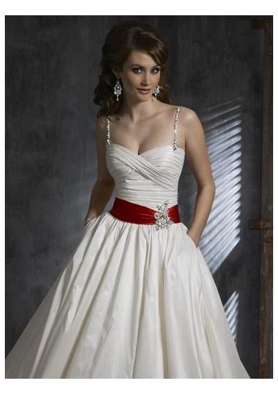 Your Wedding Support: Spaghetti Strap Wedding Dresses