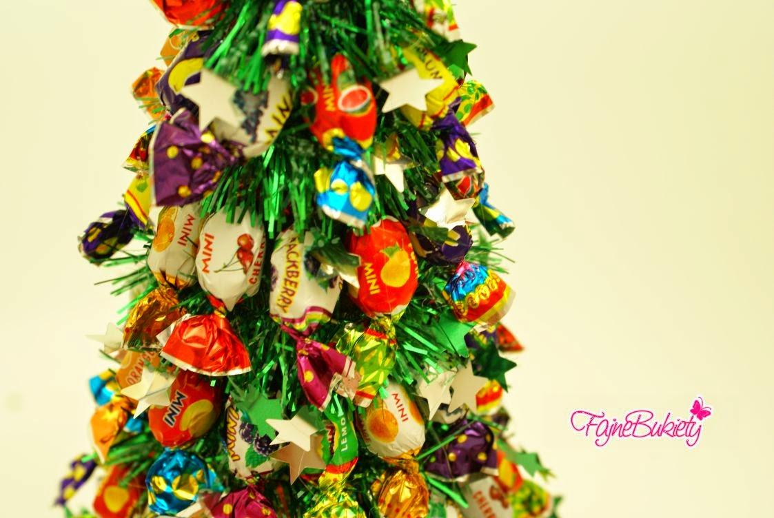 Stroik na Boże Narodzenie choinka z cukierków