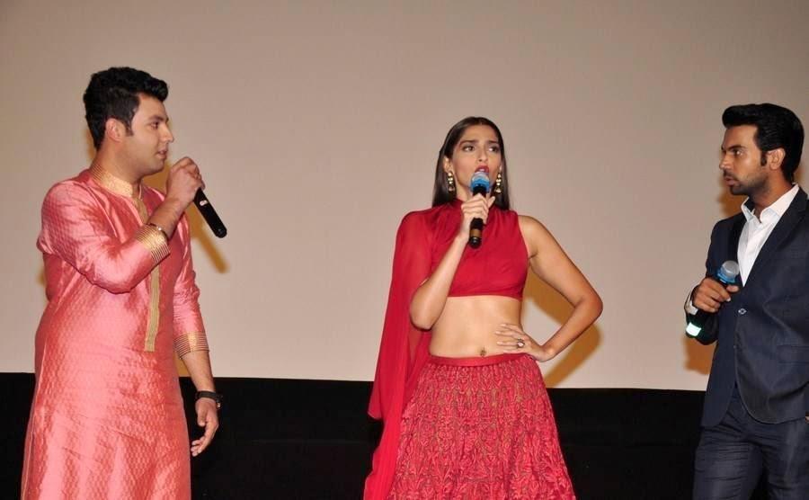 Sonam Kapoor Pics, Sonam Kapoor Hot Navel HD Pics from Dolly ki Doli