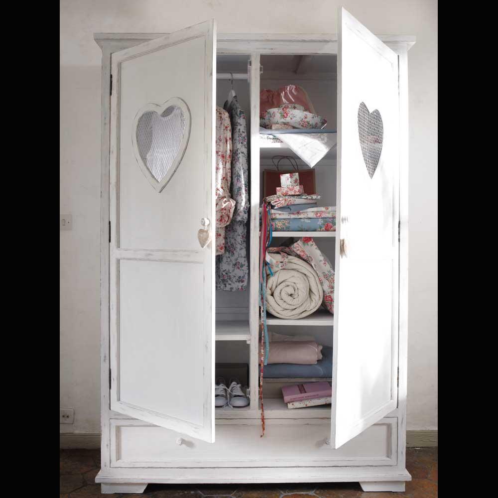 my lovely pink pages romanticism by maisons du monde. Black Bedroom Furniture Sets. Home Design Ideas