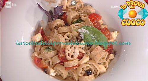 Prova del cuoco - Ingredienti e procedimento della ricetta Ruote con olive taggiasche e mozzarelline di Ivano Ricchebono