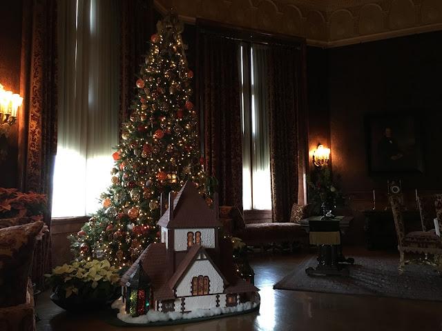 Biltmore Breakfast Room at Christmas
