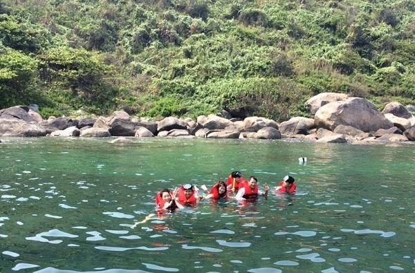 Trải Nghiệm Mùa Hè Hoang Dã Ở Đà Nẵng Với Bãi Biển Sủng Cỏ