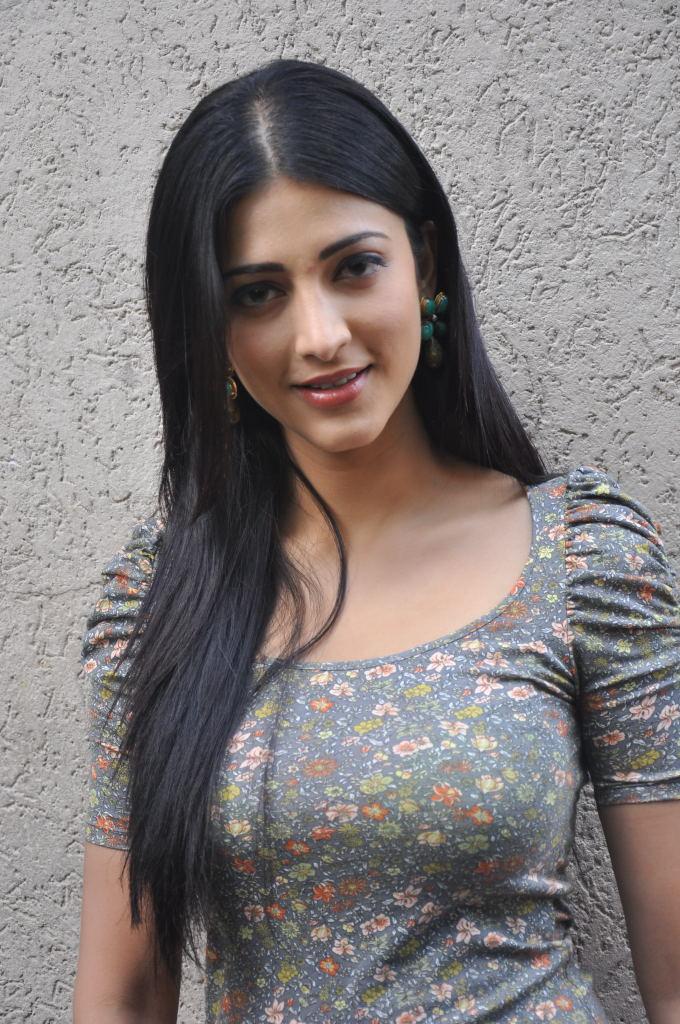 Indian Actress And Singer Shruti Hassan Hot Pics  South -3370