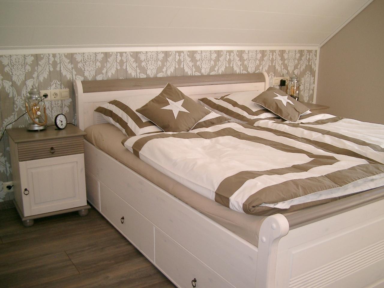 papier et cetera schlafzimmer m bel. Black Bedroom Furniture Sets. Home Design Ideas