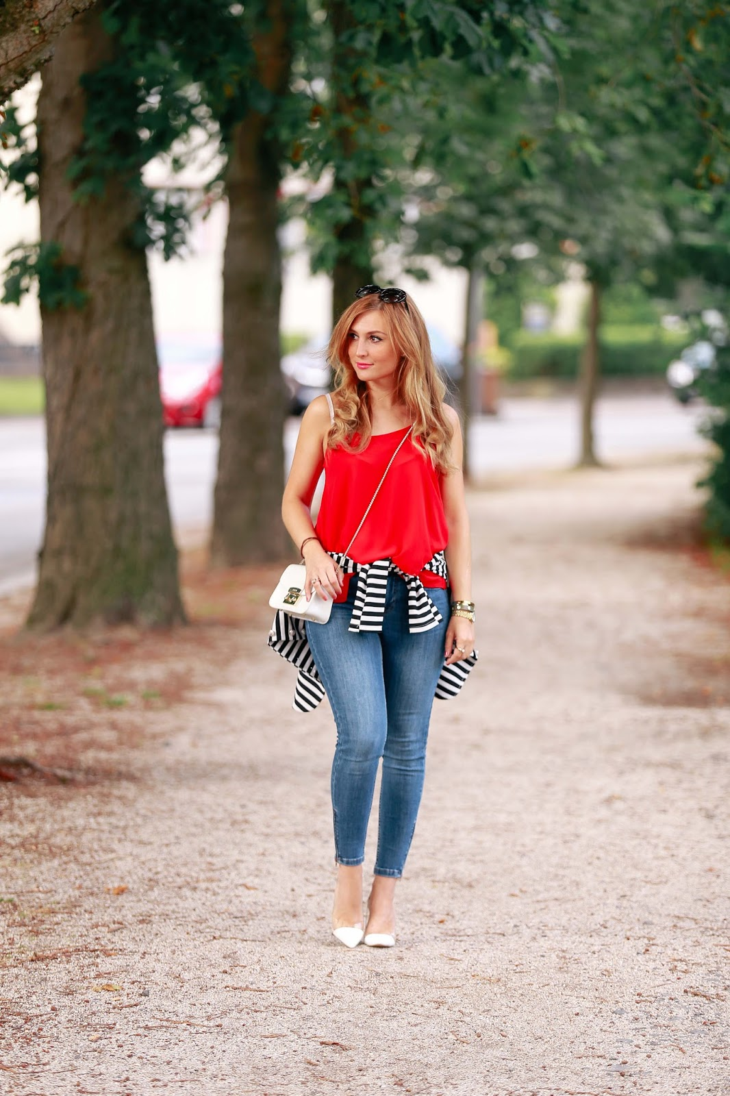 fashionstylebyjohanna-rotes-top-Blogger-Fashionblog-Outfit-Modeblog-München-deutsche-Fashionblogger-rotes-Oberteil