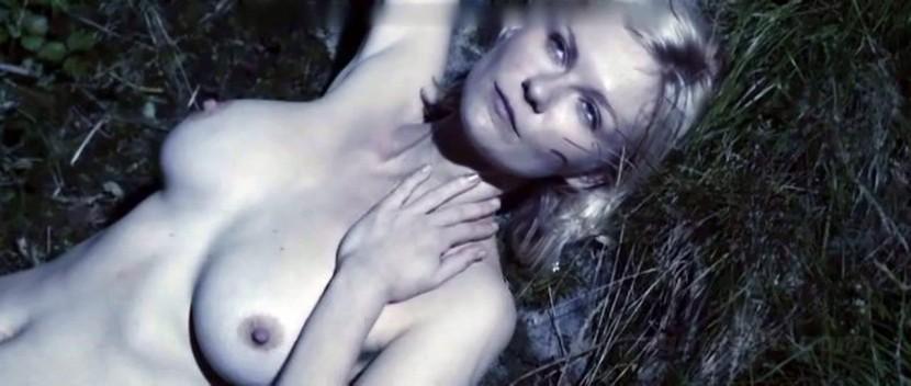 Kirsten Dunst Nipple Shot 105
