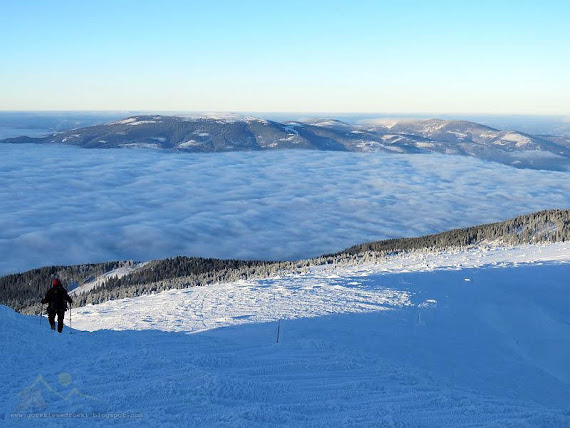 Z widokiem na Pilsko i pobliskie mu szczyty.