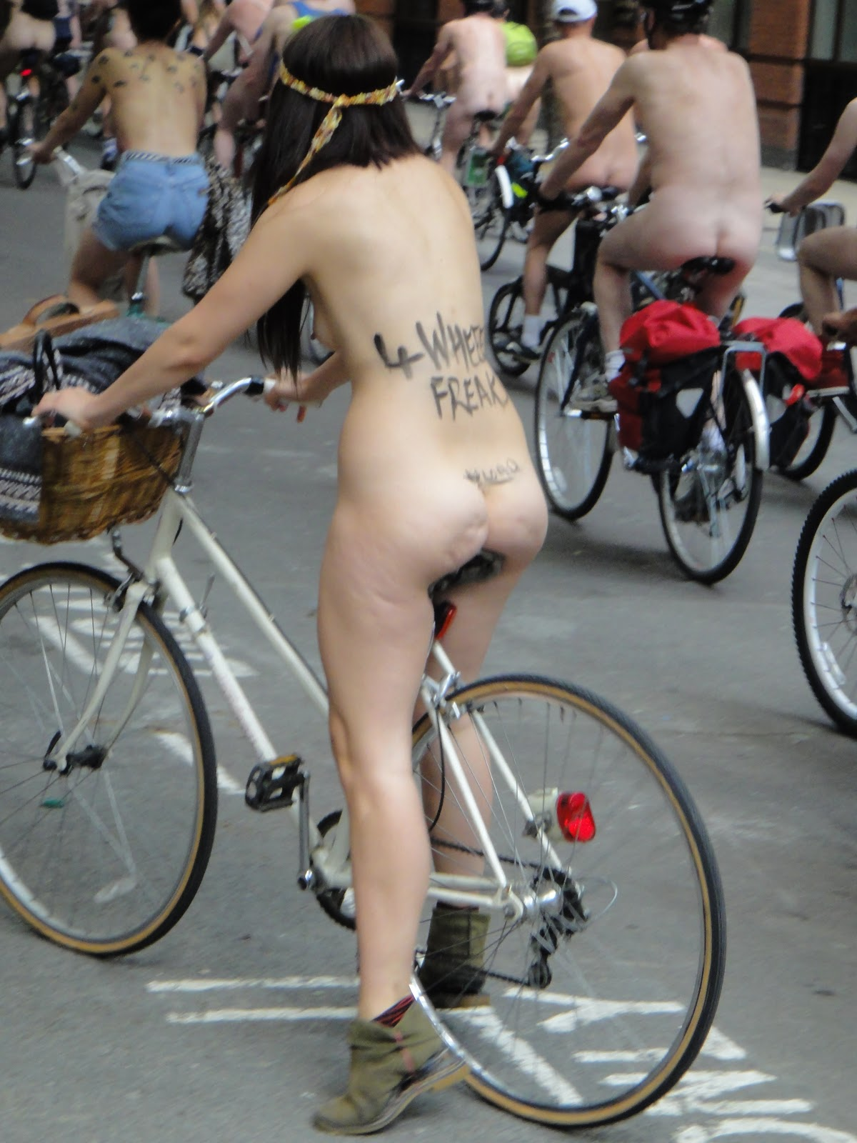 WORLD NAKED BIKE RIDE 2011: London (England) 2011