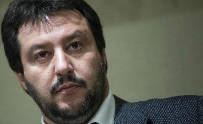 Commessa a Milano non serve il gelato a Salvini perché razzista