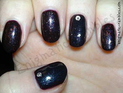 Orly-Fowl-Play-Quirk-Dead-of-the-Night-Accent-2mm-Rhinestone-Nails