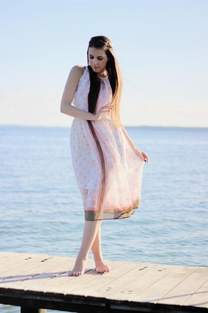 beach outfit fashion blogger aimerose rasa virviciute