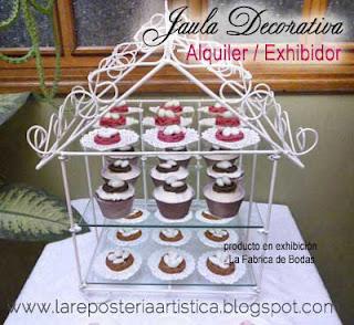 Alquiler base para pastel de bodas en cristales perlas cascada tipo chandelier