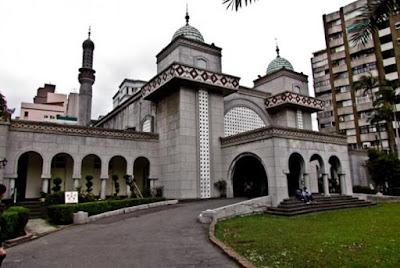 Ketika Gereja Berubah Jadi Masjid