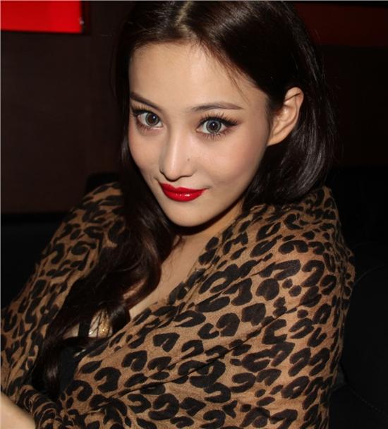 Viann Zhang Xin Yu (Chinese Actress) ⋆ Global Granary