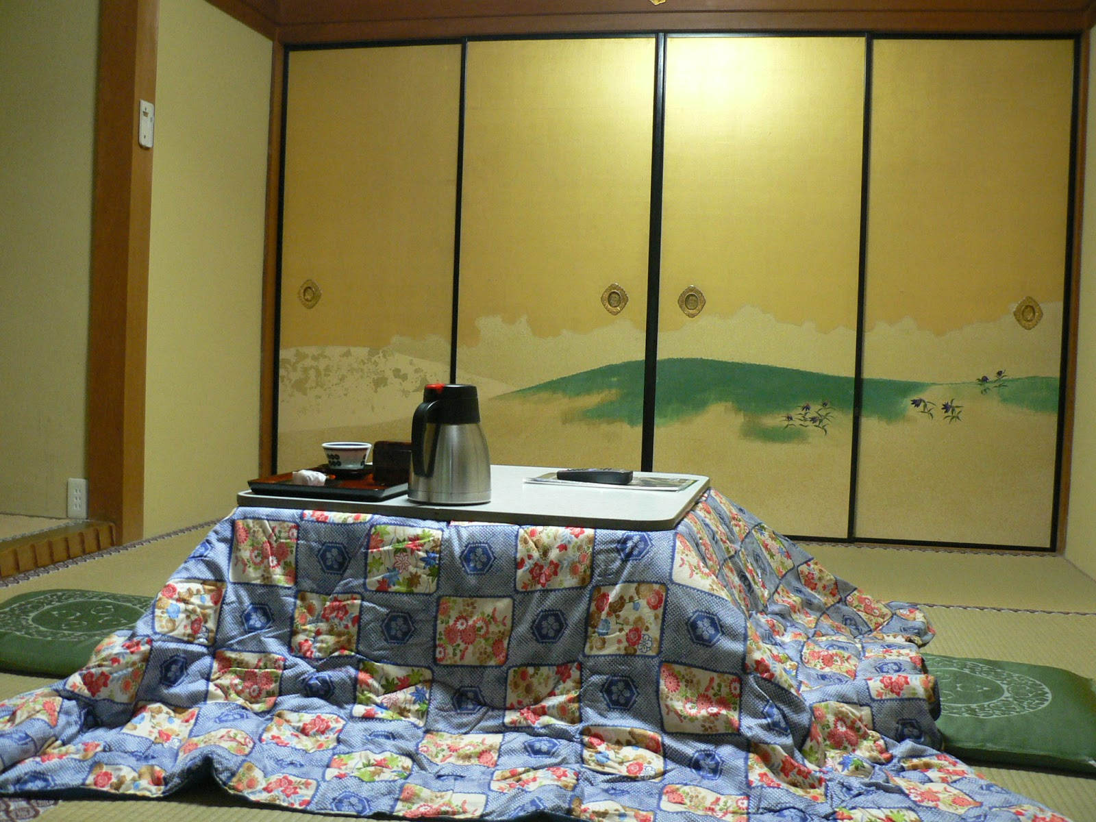 Waku Otaku Ninjawhale Kotatsu The Heating Table