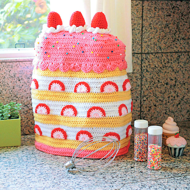 Strawberry Shortcake Stand-Mixer Cover crochet pattern
