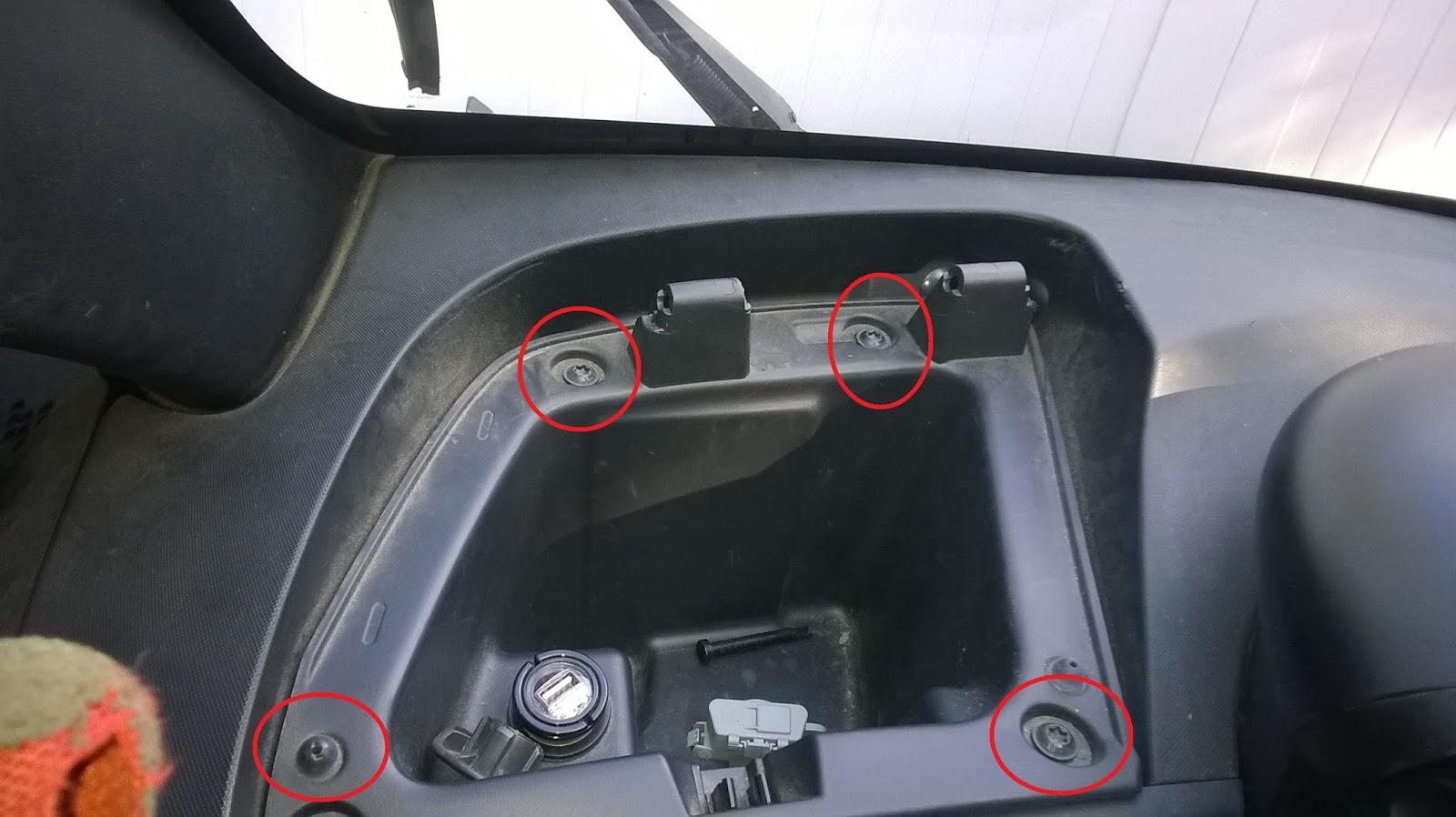 La vie en twizy comment d monter une boite gants - Comment demonter un karcher ...