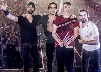 Foto del grupo Panda en el escenario