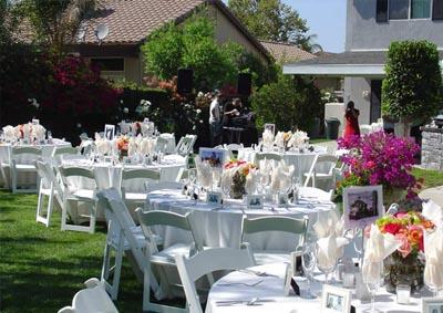 dekorasi outdoor, suasana pesta pernikahan di luar ruangan