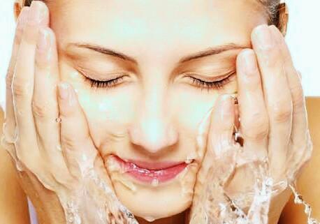 10 Bahan Terbaik untuk Ritual Perawatan Kulit Alami Anda
