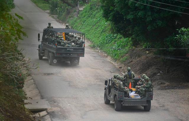 """Sicarios amenazan a policías y Militares en venganza de los 20  """"hermanos caídos"""" en Varacruz"""