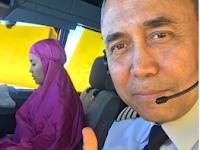 Foto Kopilot Cantik Garuda Salat di Kokpit Pesawat Menjadi Viral di Medsos