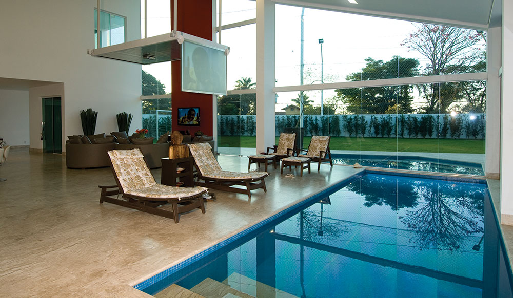 Modelos de piscinas dentro de casa decoraci n del hogar for Diseno de casas con piscina interior