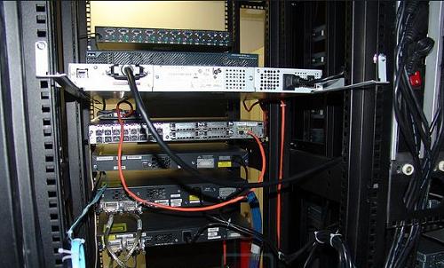 Máy chủ hệ thống