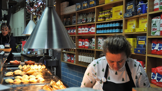 Christmas Days Out - London's Foodie Borough Market, photo by modern bric a brac