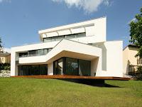 Moderne Villen Am Hang