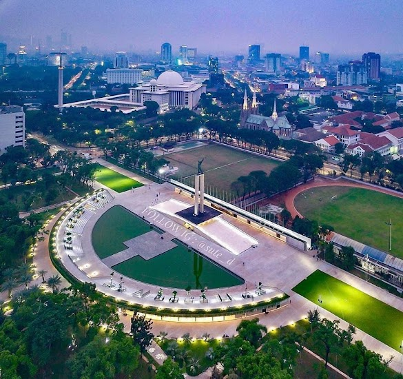 Amazing! Taman Lapangan Banteng Kini Jadi Spot Instagenik Jakarta Mirip Luar Negeri
