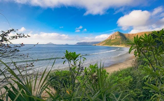 Top 5 ideal Vietnam beaches in summer 5