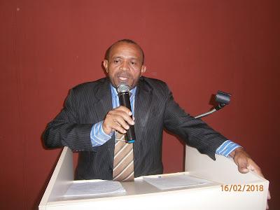 Paulo França em discurso na tribuna da CMEV