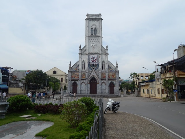 Top 8 churches in Nam Dinh attract tourists 8